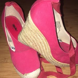 Mossimo Wedges, Red